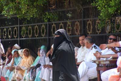 Mujer con velo en Egipto