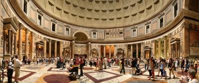 El interior del Panteón, no menos impresionante que su fachada