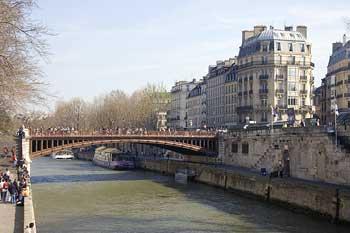 Librerías y anticuarios en los muelles de París