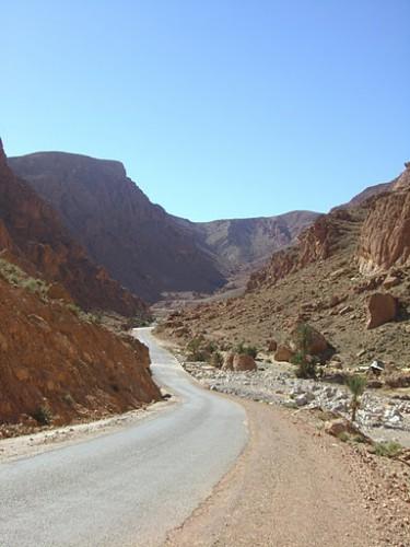 Carretera a las gargantas del Todra en Marruecos