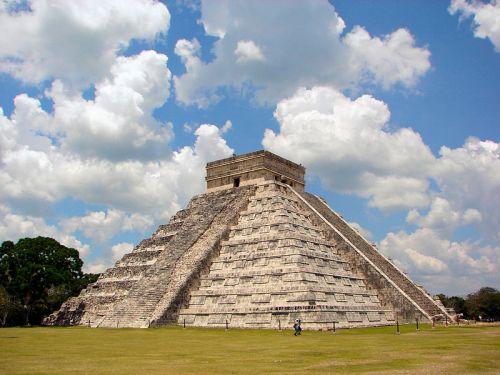 Pirámide de Chichen Itza en México