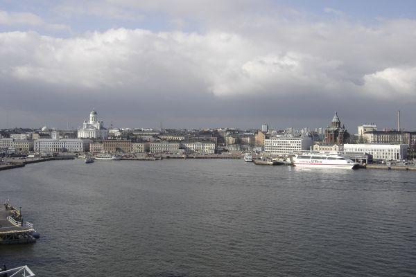 Helsinki visto desde el crucero que hace la travesía Estocolmo - Helsinki