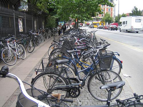 Bicicletas en la estación de trenes de Copenhague
