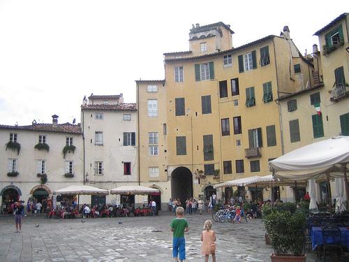 Una de las plazas de Lucca