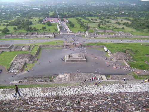 Vista de Teotihuacán desde la pirámide del Sol
