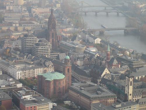 Vistas del centro de Frankfurt desde la Main Tower