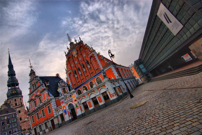 Museo de la ocupación rusa y Casa de las cabezas negras en Riga, por magdalengreen Flickr