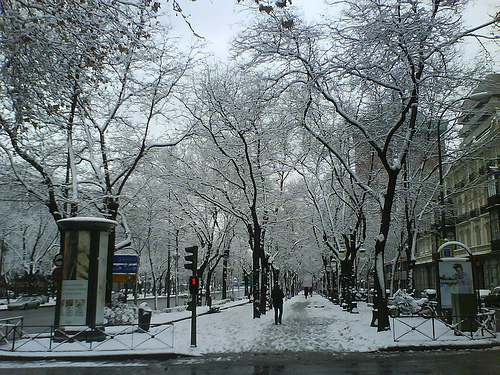 Paseo de la Castellana en Madrid nevado