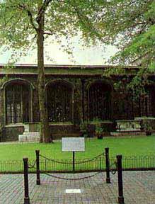Lugar de la ejecución, en la actualidad. Al fondo, la capilla donde Lady Jane Grey fue enterrada