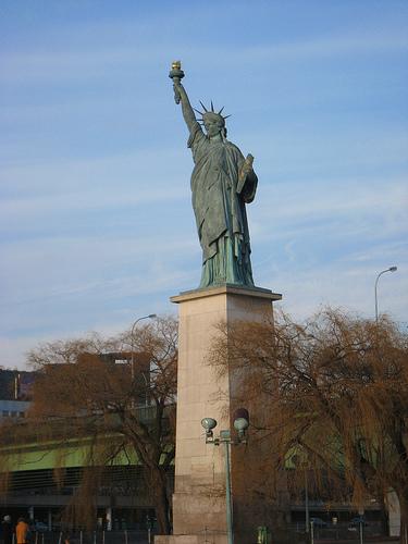 La estatua de la libertad de París