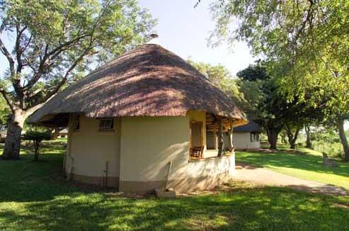 Lodge en el campamento Crocodile Bridge Camp @SansPark