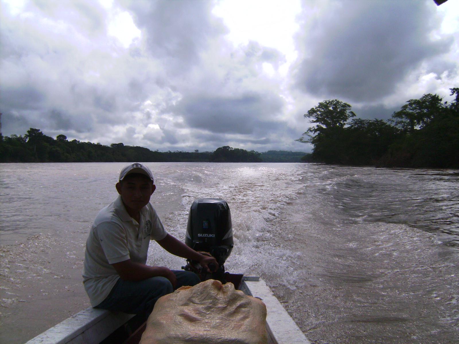 En la barca camino a Yaxchilán