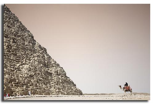 A la espera en la pirámide de Kefrén (@ marcosrivero)
