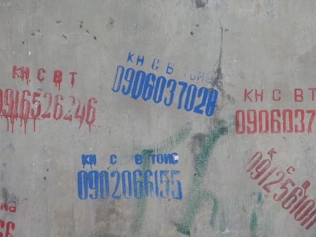 Números en las paredes de Hanoi