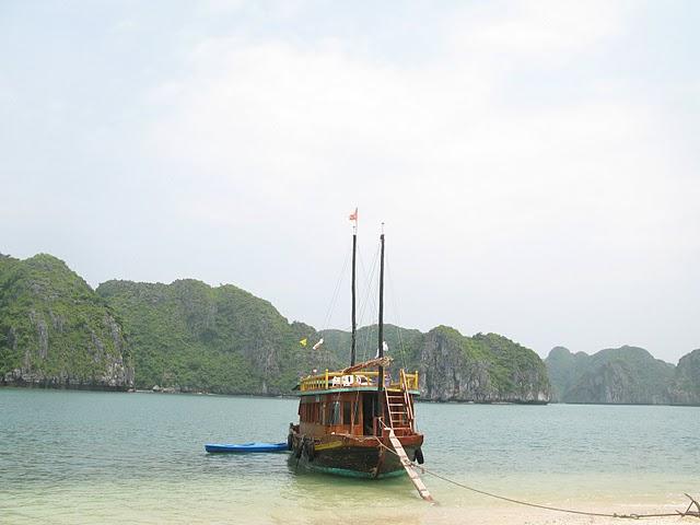 Nuestra barca en Halong Bay