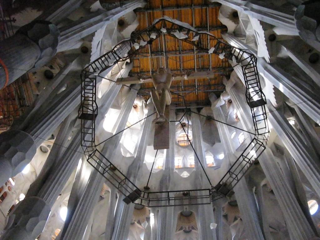 Interior de la capilla central de la Sagrada Familia