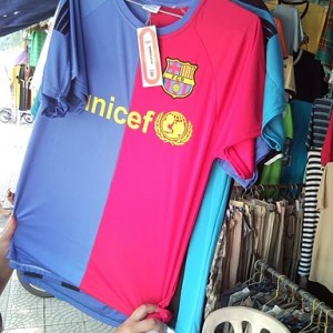Camisetas falsas del Barça e Inter de Milán en Vietnam