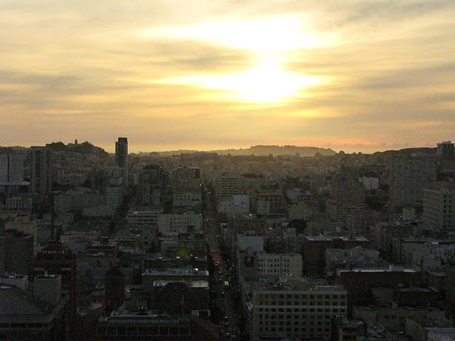 Puesta de sol desde el Grand Hyatt de Union Square, San Francisco