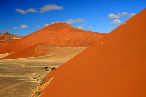 Las dunas del desierto de Namibia en Sossusvlei
