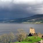 El lago Ness y el castillo de Urquhart