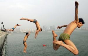 Bañistas en Wuhan China