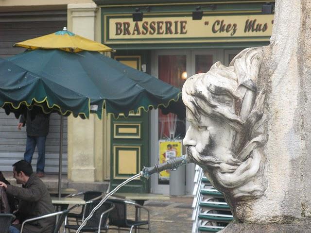 Fuente de la plaza del ayuntamiento de Aix en Provence