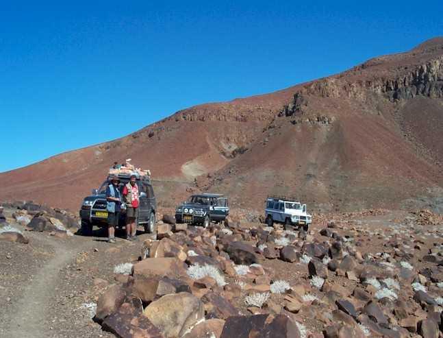 Jeeps en las carreteras de Damaraland en Namibia