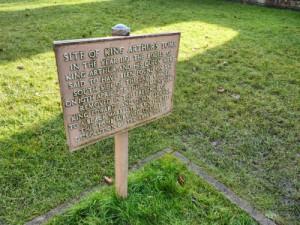 Sepulcro de Arturo y Ginebra en la Abadía de Glastonbury