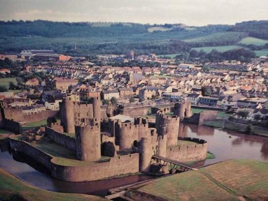 Castillo de Caerphilly. Vista aérea