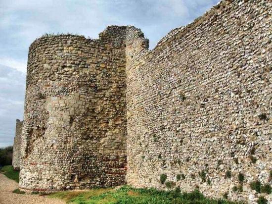 Castillo de Porchester, parte romana de la muralla