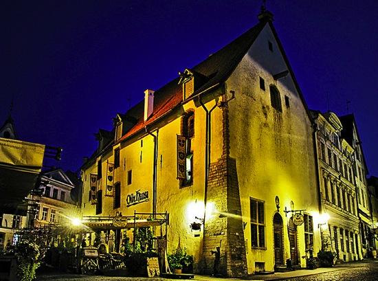 Tallinn de noche, Old Hansa