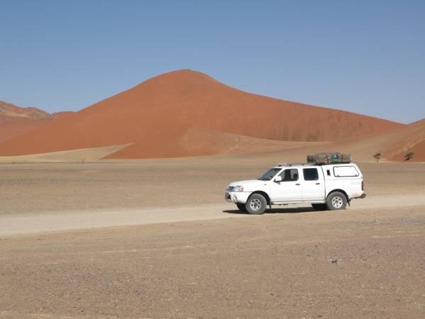 Con nuestro coche por las dunas de Sesriem y Sossusvlei