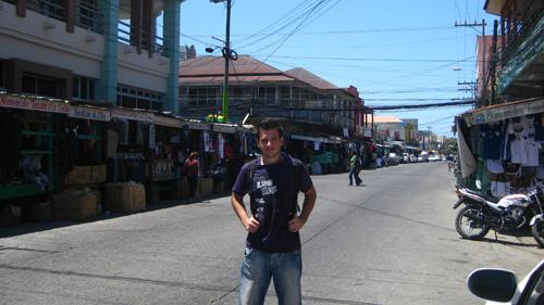 En una calle comercial del centro de La Ceiba