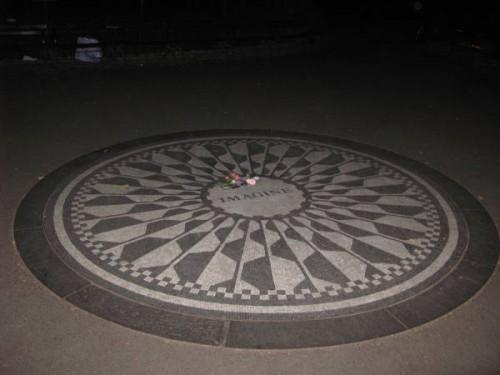 Lugar de recuerdo del asesinato de John Lennon en Central Park