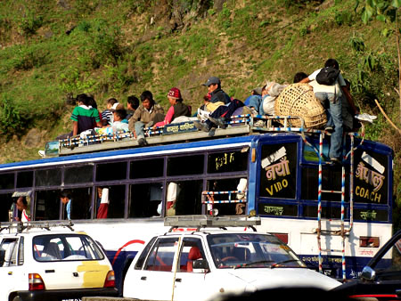 Autobús de vuelta a Pokhara @3viajes