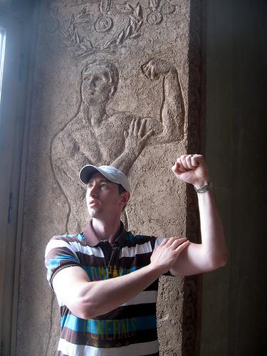 Posando en el Louvre @ http://www.posingatthelouvre.com/