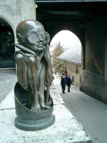 Entrada del museo de HR Giger en Gruyere @wikipedia