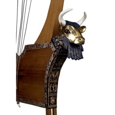 Antigua arpa de Mesopotamia, restaurada