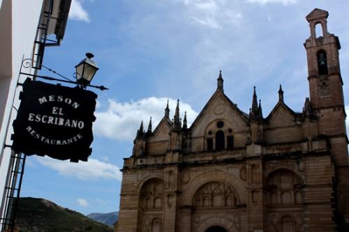 Restaurante El Escribano junto a la colegiata Sta María la Mayor