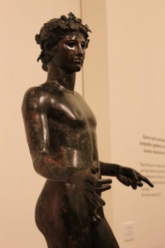 Efebo. Bronce romano perfectamente conservado