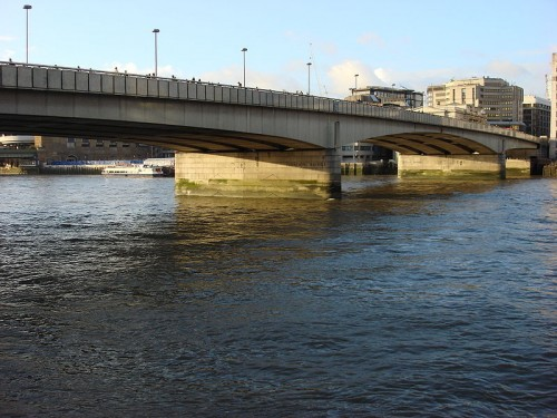 London Bridge (Fuente: Wikimedia Commons)
