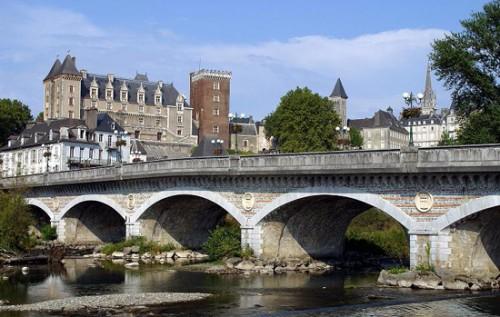 Puente sobre Pau