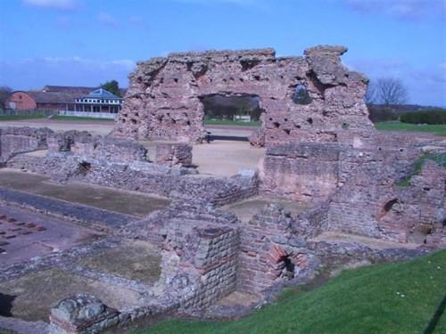 Ruinas de las termas romanas de Wroxeter (Fuente: Wikimedia commons)