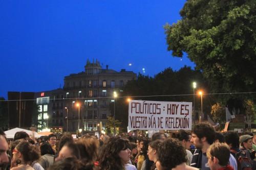 Acampada en Barcelona durante el día de reflexión