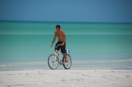 En bicicleta por el Caribe mexicano