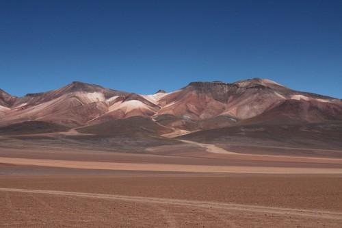 Colores en la montaña del altiplano boliviano