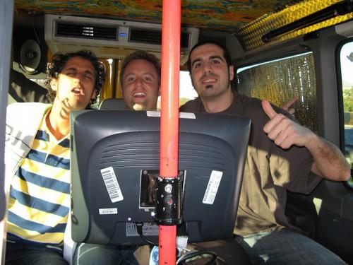 Nosotros cantando en el taxi de Austin