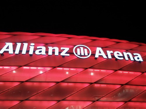 Allianz Arena de noche