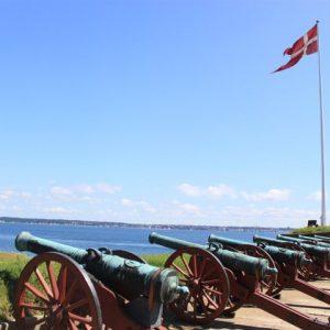 Cañones del castillo de Kronborg en Dinamarca