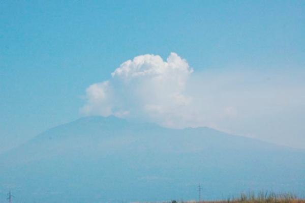El Etna, al día siguiente de la segunda erupción de Agosto de 2011